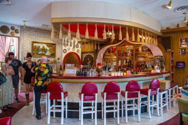 ウィスコンシン州の伝説のクラブ、Turk's Innがブッシュウィックにオープン