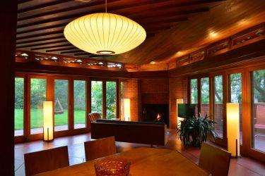 フランク・ロイド・ライト氏デザインの邸宅が120万ドルで売りに出される