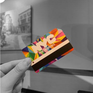 MTAが限定レインボーデザインのメトロカードを販売