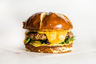 バーガー業界にも革命! なぜプラントベースミートがアツいのか!? のワケ