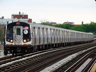 Fライン ブルックリン区間で、ラッシュアワー時に急行車両の運行を発表