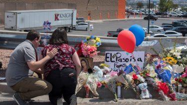 2件の銃乱射事件 1日の内に29の死者と53の負傷者