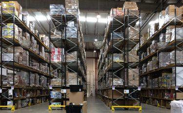 Amazonが売れ残りの製品を寄付する新しいプログラムを開始