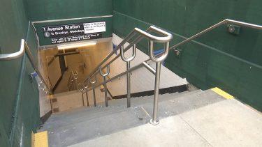 Lトレインの新しい地下鉄入口が、Aアベニューに待望のオープン
