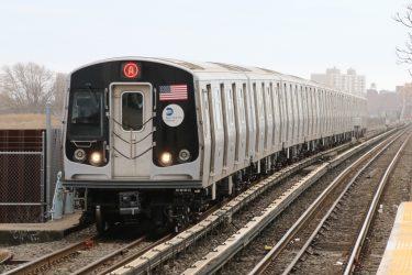MTAが298台の最新地下鉄車両の運行を停止
