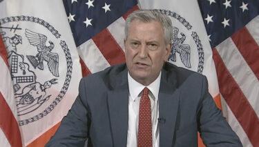 一部のニューヨーク市内の学校の再開は、さらに延期