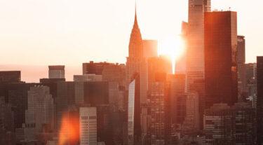 ニューヨークの大手不動産会社が20人のアーティストに住居スペースを無料で提供