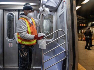 ニューヨーク地下鉄サービスの段階的な再開を発表