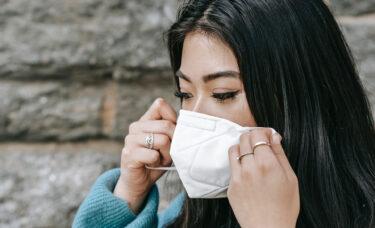 ワクチン接種を受けたニューヨーカーがマスクなしで外出可能に