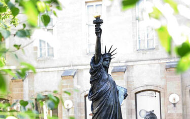 7 月、自由の女神の「妹」が、フランスからニューヨークにやってくる